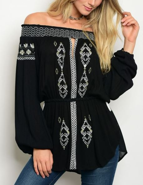 BLUSA NEGRA OFF SHOULDER MANGA LARGA BORDADO HILO